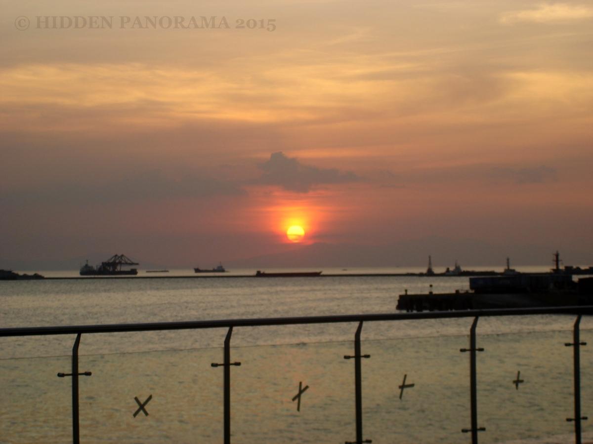 Home : Manila Bay