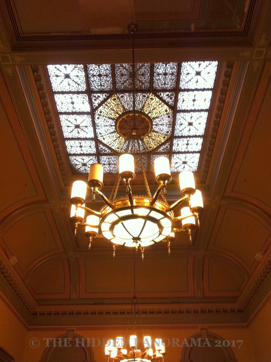 Interior : Melbourne Town Hall - Yarra Room