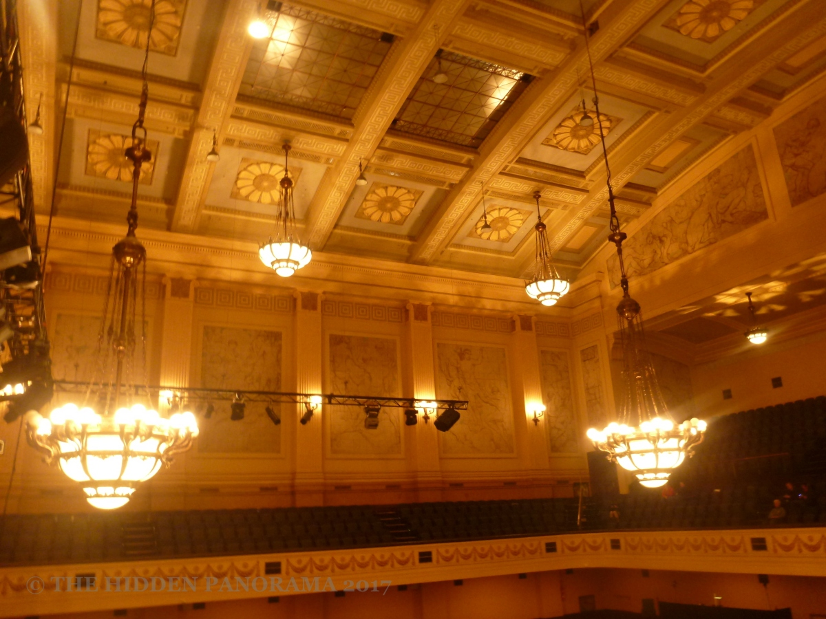 Interior : Melbourne Town Hall - Main Hall